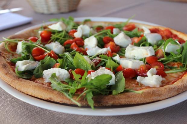 pizza-2341377_1920